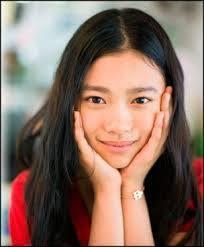 テレビドラマ「夜行観覧車」で一躍注目された杉咲花さん。 「思い出のマーニー」で声優もされています。 ドラマなどでも主演を任されるなど、 注目の女優さん。